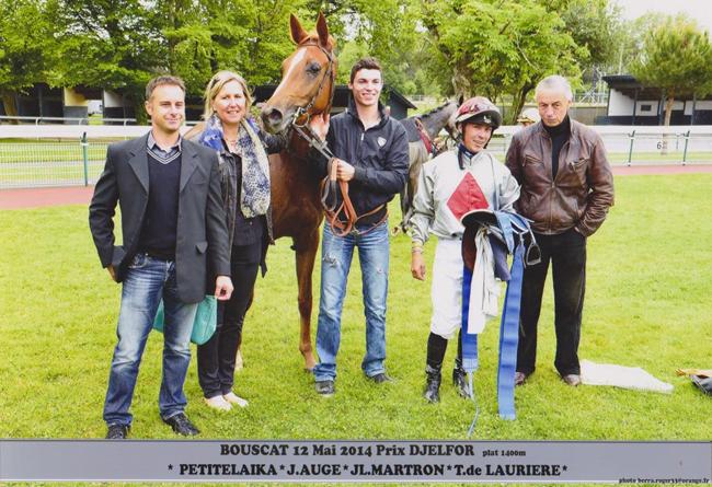Cyril et Xavière Cauhapé étaient présents pour assister à la victoire de leur pouliche aux côtés de Thierry De Laurière et Julien Augé